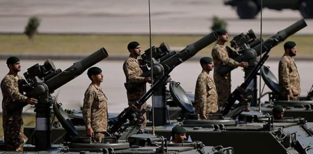 Pakistan ordusu, 20 bin askerini Keşmir ve Gilgit Baltistan Hattına taşıdı.